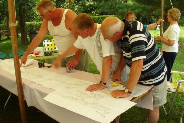 family-reunion-davenport-usa-5-20121030-20348369733A5CA5BA-CA8D-3CE9-20FA-A8A902C47200.jpg
