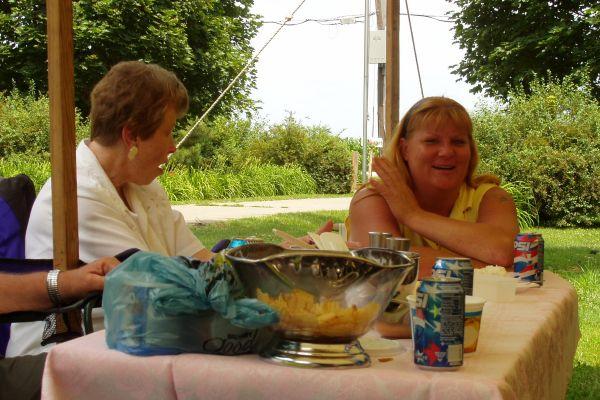 family-reunion-davenport-usa-7-20121030-157567879754A45B0B-DECE-7B18-D5EE-99248E159CFA.jpg