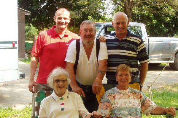 family-reunion-davenport-usa-8-20121030-10528389533FD0BD49-8475-54A6-3ED9-F80D355C7C52.jpg