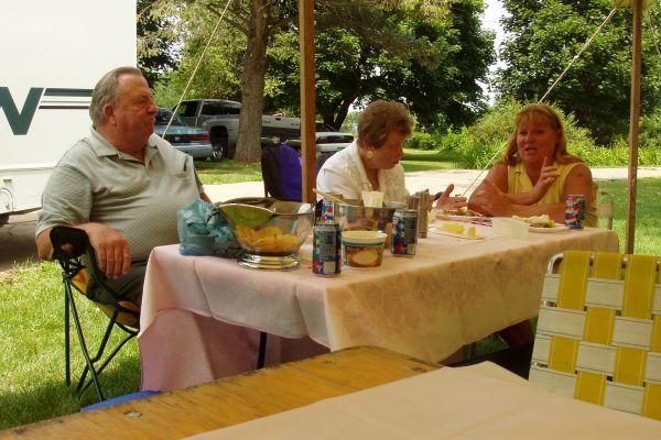 family-reunion-davenport-usa-8-20121030-1139826827E0076428-7C94-4F3F-BD59-38DBB6ABB5FF.jpg
