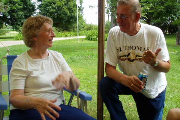 family-reunion-davenport-usa-3-20121030-12197502384E747BA4-BDDB-1EE0-7E75-4ED3BC77B34A.jpg